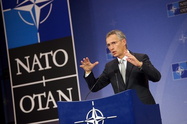 /nato_static_fl2014/assets/pictures/2015_10_151006a-mod-pre-pc-sg/20151006_151006a-007_rdax_375x250.jpg