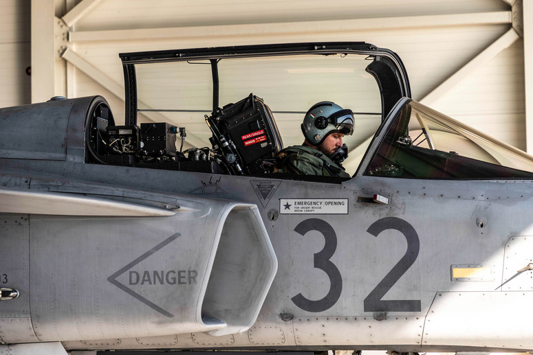 NATO - Photo gallery: Hungarian Air Force polices Baltic