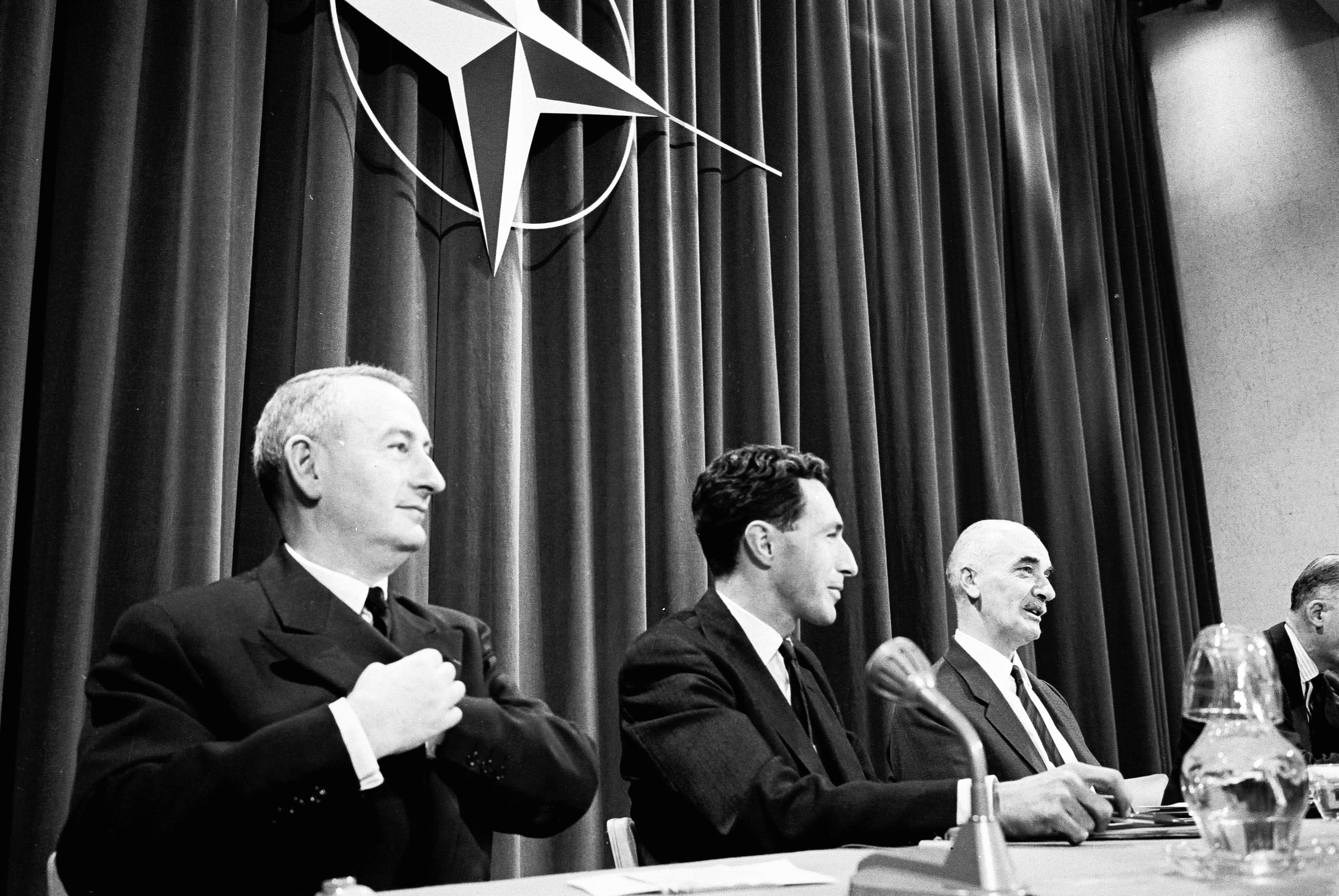 Georges Pâques (left), seen here at a press briefing with Deputy Secretary General Colonnia Di Paliano.