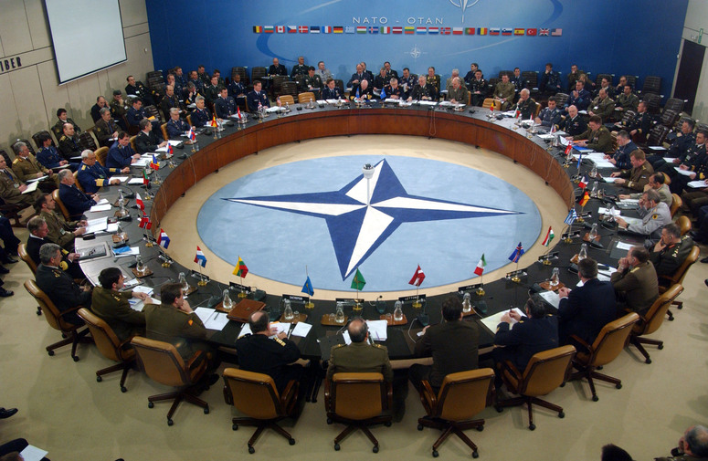 http://www.nato.int/nato_static_fl2014/assets/pictures/stock_2004/20081117_040209-consensus_rdax_775x505.jpg