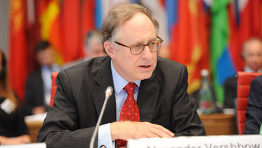 NATO Deputy Secretary General discusses risk reduction and military transparency at OSCE conference