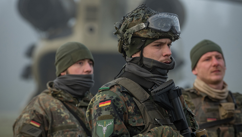 NATO - News: Germany steps up to lead NATO high readiness