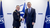Outgoing SACEUR pays visit to NATO Secretary General