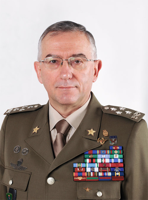 NATO - Biography: Claudio Graziano, Chief of the Italian Defence General  Staff