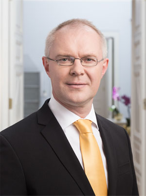 Hannes Hanso, Minister of Defence of Estonia