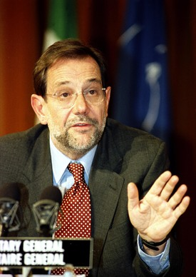 Press conference by NATO Secretary General, Dr. Javier Solana - 10th December 1996