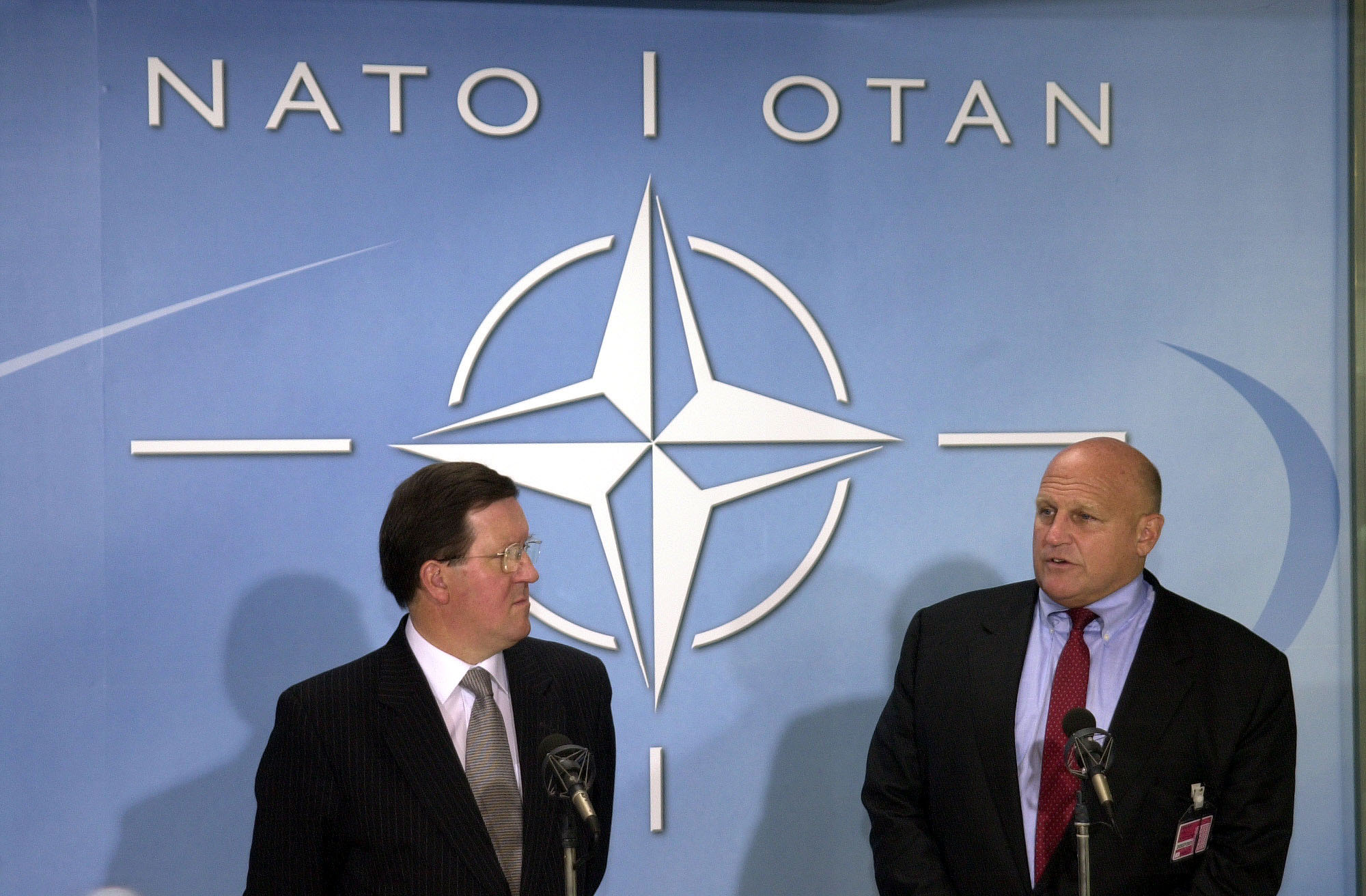 http://www.nato.int/pictures/2001/010920a/b010920a.jpg